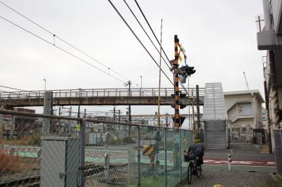 新幹線が間近で見られる歩道橋