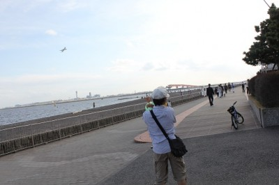 城南島海浜公園から見える飛行機