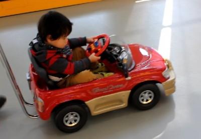 お台場MEGAWEB子供の車