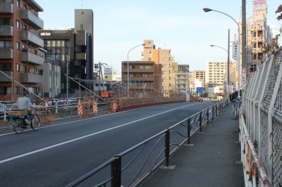 武蔵小杉新幹線ビュースポット歩道から