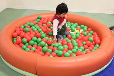 モザイクモール子供の広場ボールプール