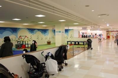 モザイクモール子供の広場