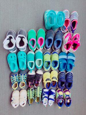 幼児の靴 大集合!