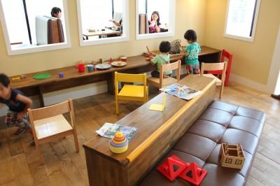 シェイキーズ-子供が遊べるスペース