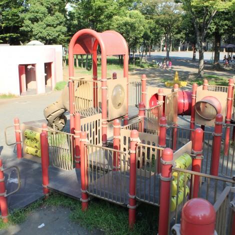 橘公園-赤の遊具