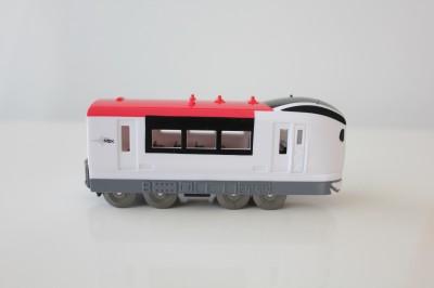 100円電車-成田エキスプレス横面