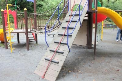 児童遊園地-ロープ階段
