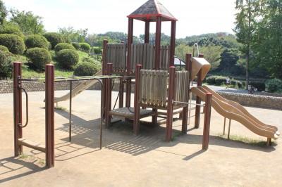 三ツ池公園-遊具広場の滑り台