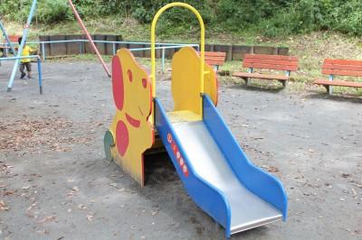 児童遊園地-小さい滑り台