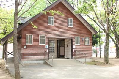行徳駅前公園-トイレ