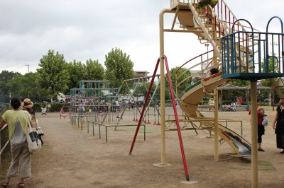 行徳駅前公園-回転滑り台