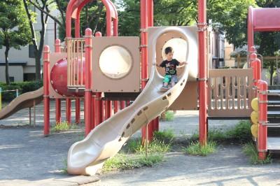 橘公園-滑り台(赤)
