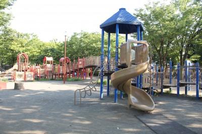 橘公園-滑り台(青)