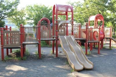 橘公園-ダブル滑り台(赤)