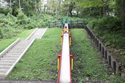 児童遊園地-ロング滑り台
