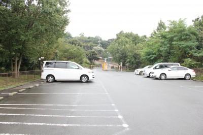 児童遊園地-駐車場②