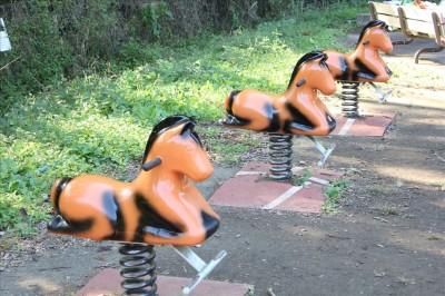 お馬さんの乗り物