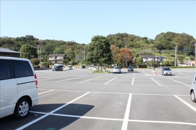 荻野運動公園駐車場