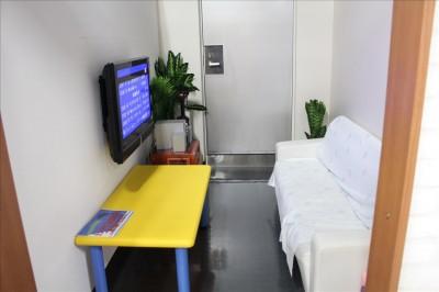カラオケルームは5部屋あります