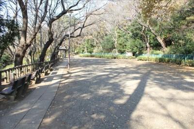 多摩川が見渡せる展望広場