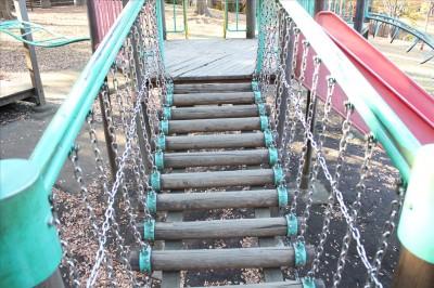 遊具アスレチック吊り橋