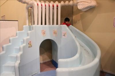 巨人の国滑り台(幼児用)