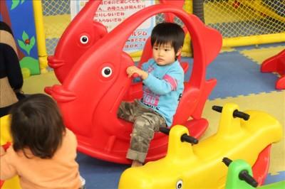 幼児向け乗り物もあります