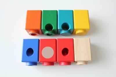 8種類のブロックを組み合わせる