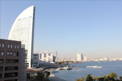 四Fのテラスから見える横浜の海の景色