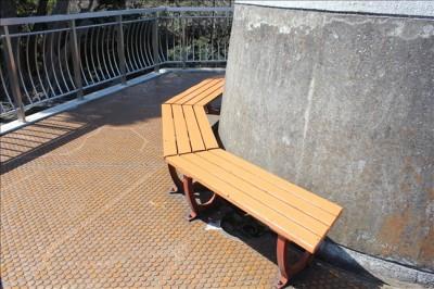 展望台にあるベンチ