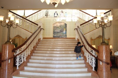 東京ディズニーホテルの階段