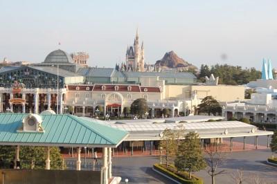 ディズニーランドホテルの窓からの景色