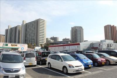タマタイムショッピングセンター駐車場