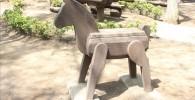 樹林広場の木馬の写真