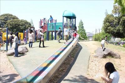 大師公園のローラー滑り台