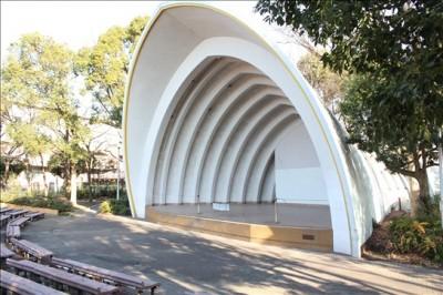 中原平和公園野外音楽堂