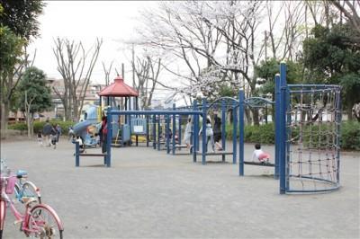 中原平和公園冒険広場の様子