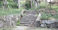 四季園の石段を斜め横から撮影しました。