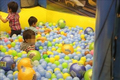 KIDSタウンのボールプール