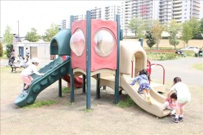 幼児用のミニ滑り台