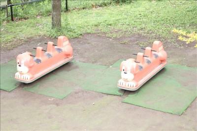 冒険ランドの3人乗り遊具