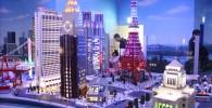 ブロックで作られたドコモビル、東京タワー、NECビル