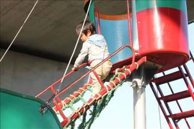 マストへ登る網のロープ