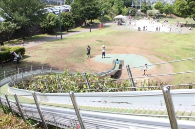 一番スピードが出るロングローラー滑り台