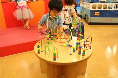 大きな知育玩具ビーズコースター