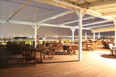 横浜港の夜景が楽しめるベイブリッジテラス