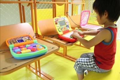 幼児向けパソコンの玩具