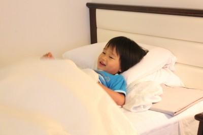 京都東急ホテルのベッドで