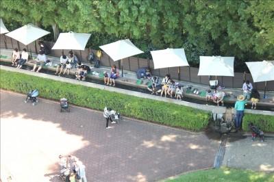 足湯の広場の様子