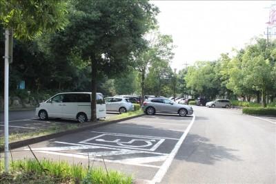 王禅寺ふるさと公園駐車場